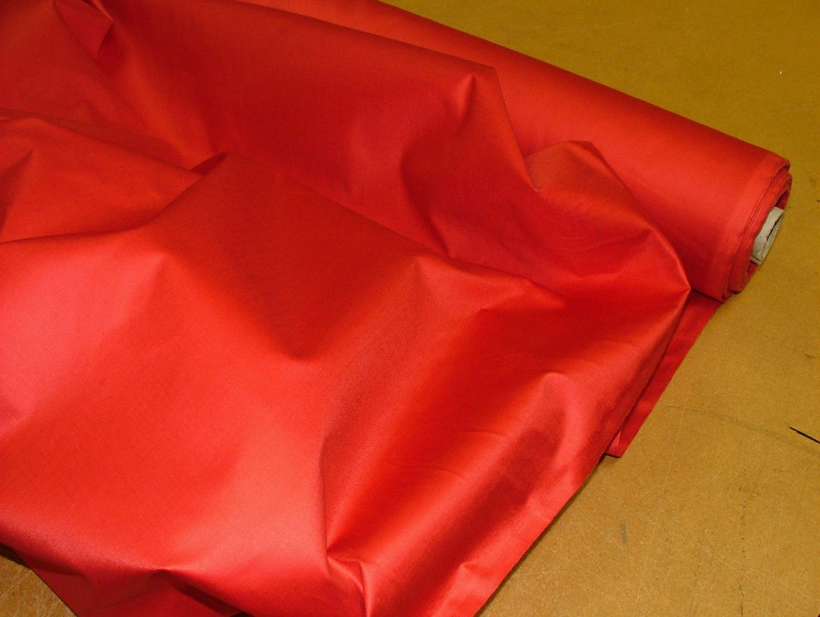 100% Cotton Sateen Christmas Red Curtain Lining Fabric